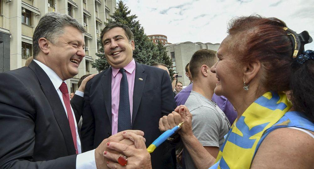 Ukrajinský prezident Petro Porošenko a gubernátor Oděské oblasti Michail Saakašvili
