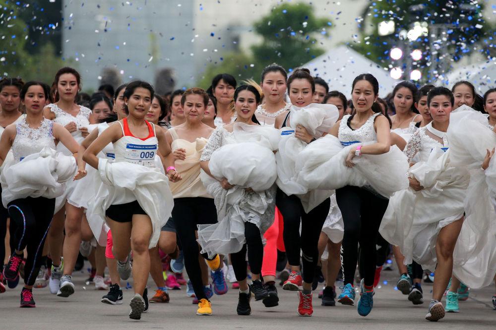 """""""Běh nevěst"""" v Bangkoku, Thajsko"""