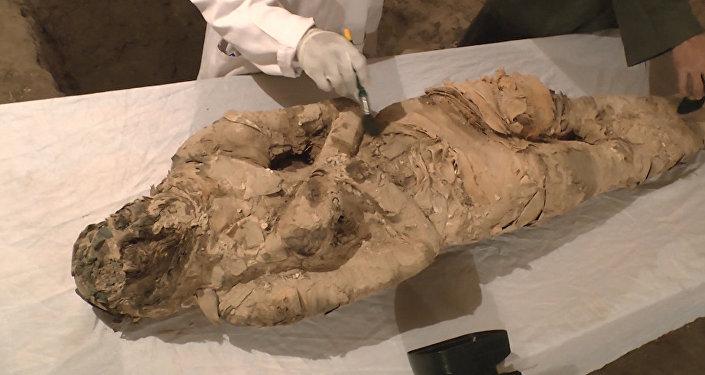Archeologové objevili v Luxoru dvě hrobky z dob starověkého Egypta