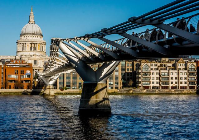 Most Millenium v Londýně. Ilustrační foto