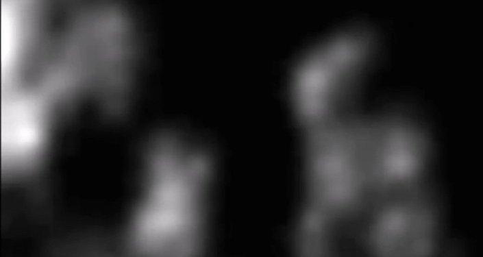 Ufolog objevil na Měsíci Mimozemšťana s batohem