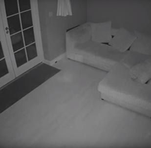 Ve starém britském domě se dostal na video přízrak