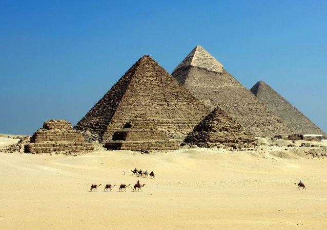 Pyramidy. Egypt