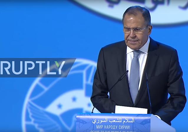 Lavrov musel na kongresu v Soči krotit syrské opozičníky
