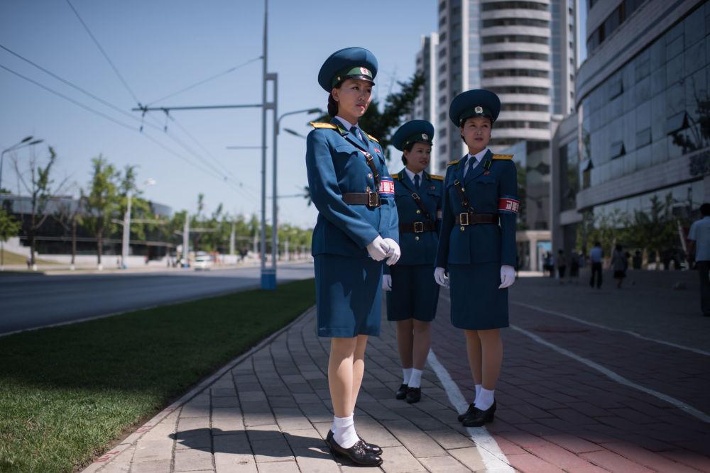 """""""Slabá"""" práce pro slabé pohlaví: policistky v různých zemích"""
