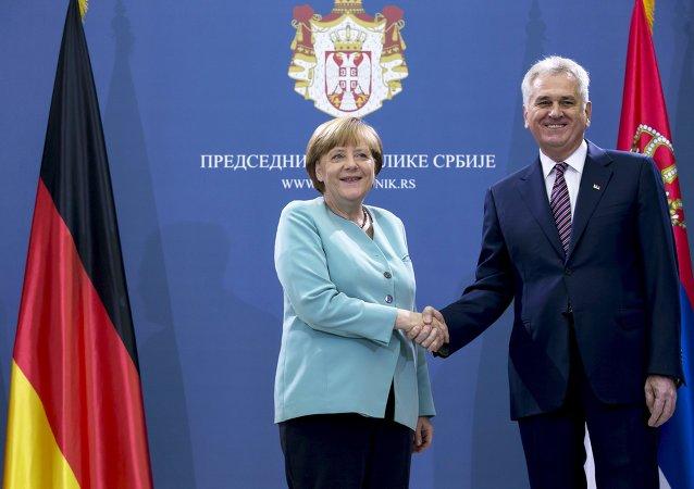 Německá kancléřka Angela Merkelová a srbský prezident Tomislav Nikolić