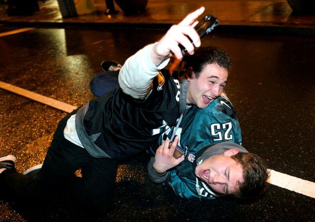 Fanoušci Philadelphia Eagles oslavují vítězství svého týmu
