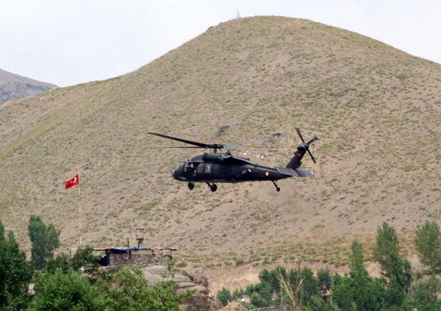Turecký vrtulník. Ilustrační foto