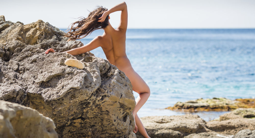 obrázky nudistické dívky