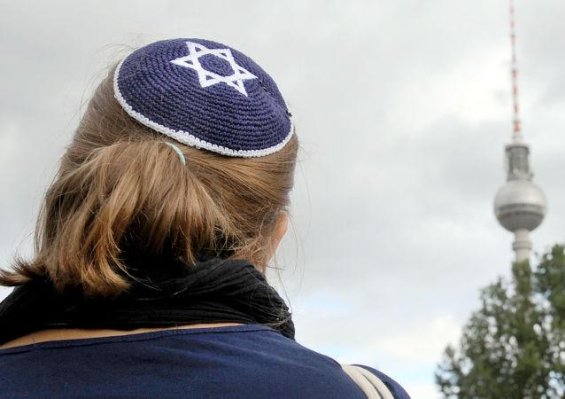 Každý den jsou v Německu páchány průměrně čtyři zločiny proti Židům