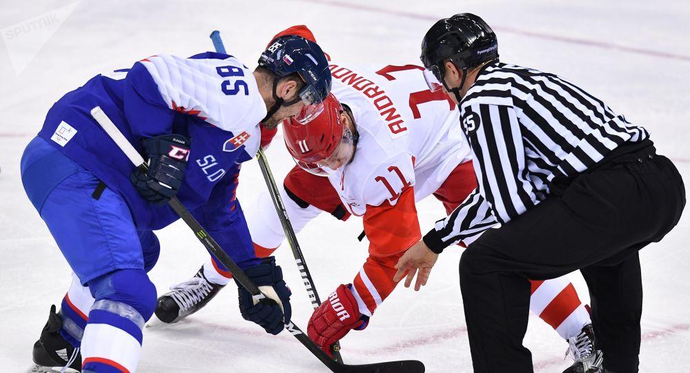 Sergej Andronov a Petr Olvecký při prvním zápase