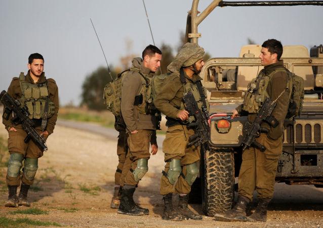 Izraelští vojáci na hranici s Pásmem Gazy