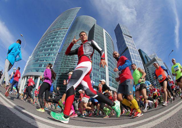 Účastníci moskevského maratonu