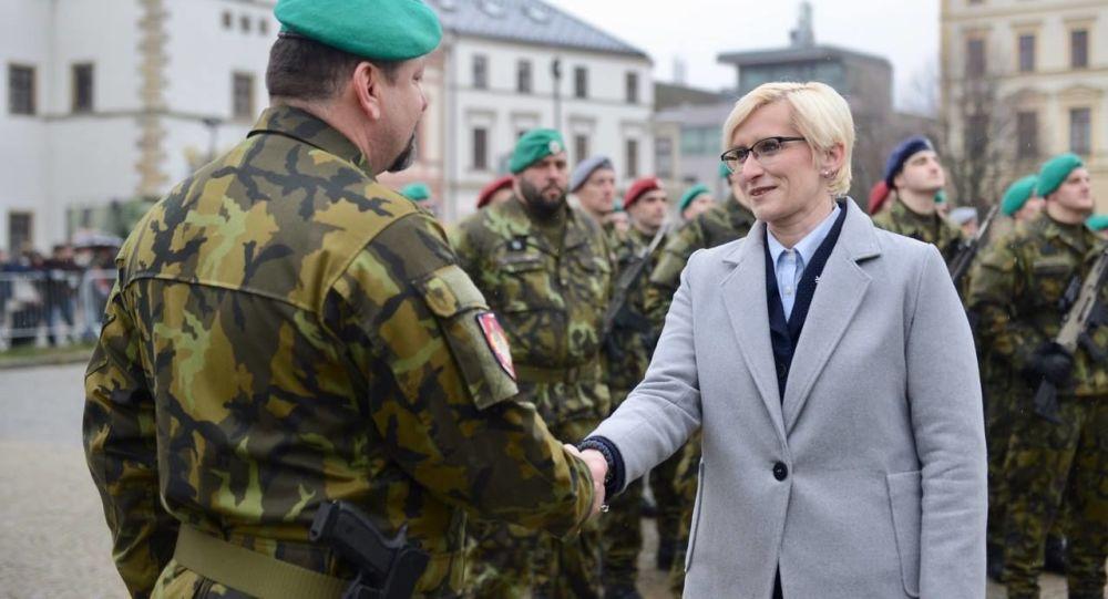 Ministryně obrany ČR Karla Šlechtová