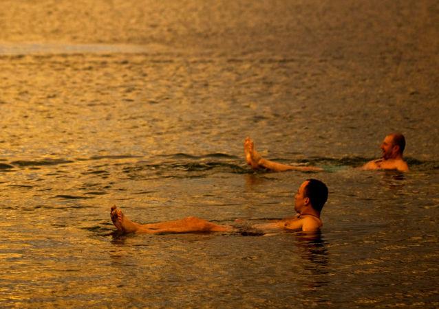 Mizící Mrtvé moře