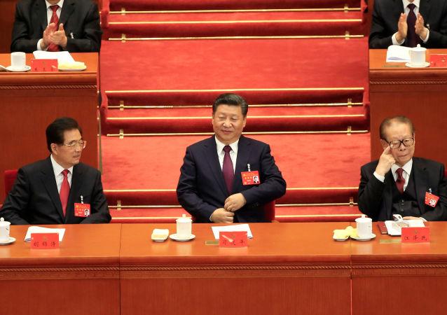 Prezident ČLR Si Ťin-pching ve Velkému sálu lidu