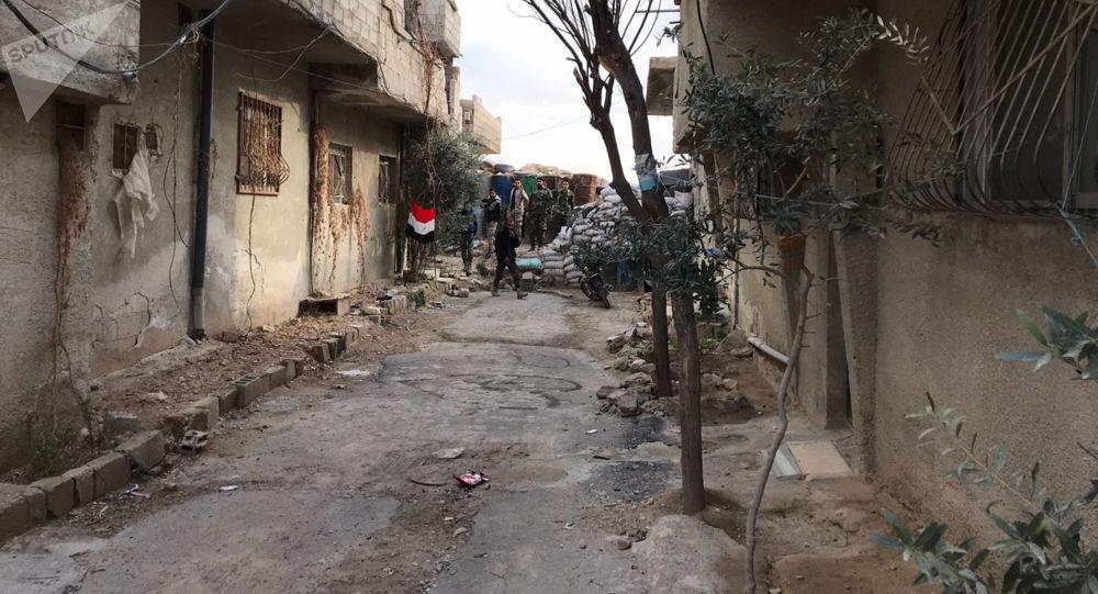 Uprchlický tábor mezi Damašekm a Východní Ghútou