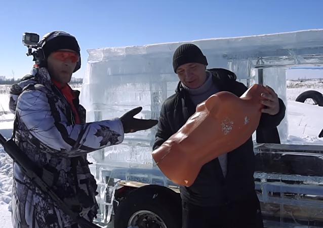 Ledový Geländewagen proti současné zbrani: působivý test