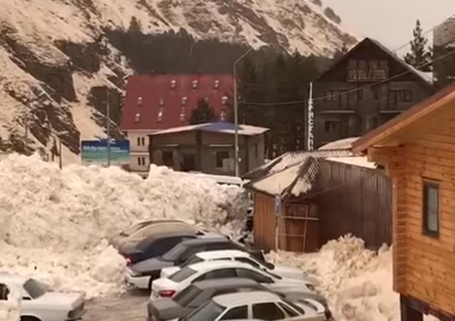 Pád laviny v Elbruském regionu