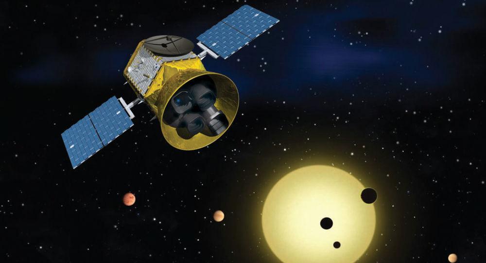 Animace Satelitu pro výzkum tranzitujících exoplanet TESS