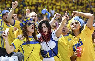 Švédští fanoušci při zápase Itálie-Švédsko na ME 2016