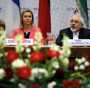 Íránský ministr zahraničí Džavád Zaríf a vysoká představitelka Unie pro zahraniční věci a bezpečnostní politik Federica Mogheriniová.
