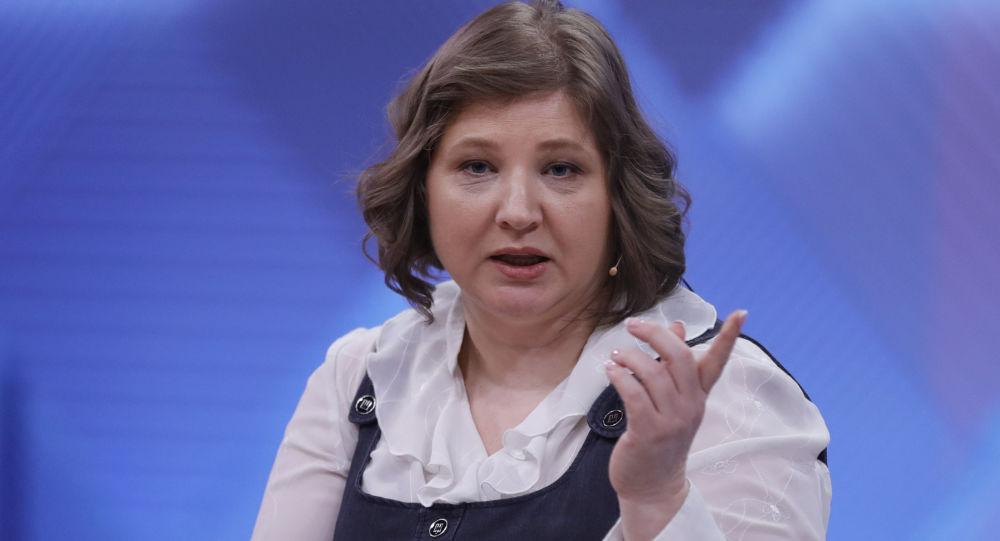 Neteř Sergeje Skripala Viktorie Skripalová během pořadu na Prvním kanálu