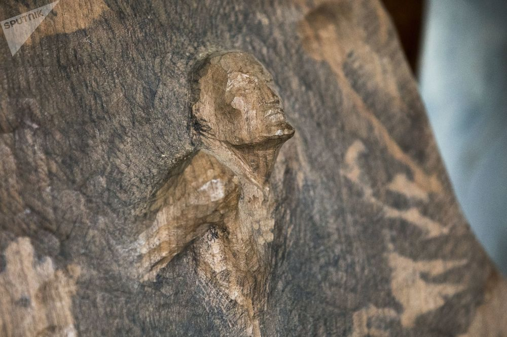 V jeho rukou dřevo ožívá: Výtvory řezbáře Andreje Kasabieva z Jižní Osetie