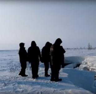 Na severu Ruska objevili záhadné jezero, jehož existence odporuje zdravému rozumu