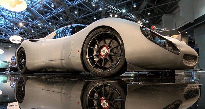 Na autosalonu v Monaku byl představen nejvýkonnější hybridní automobil na světě