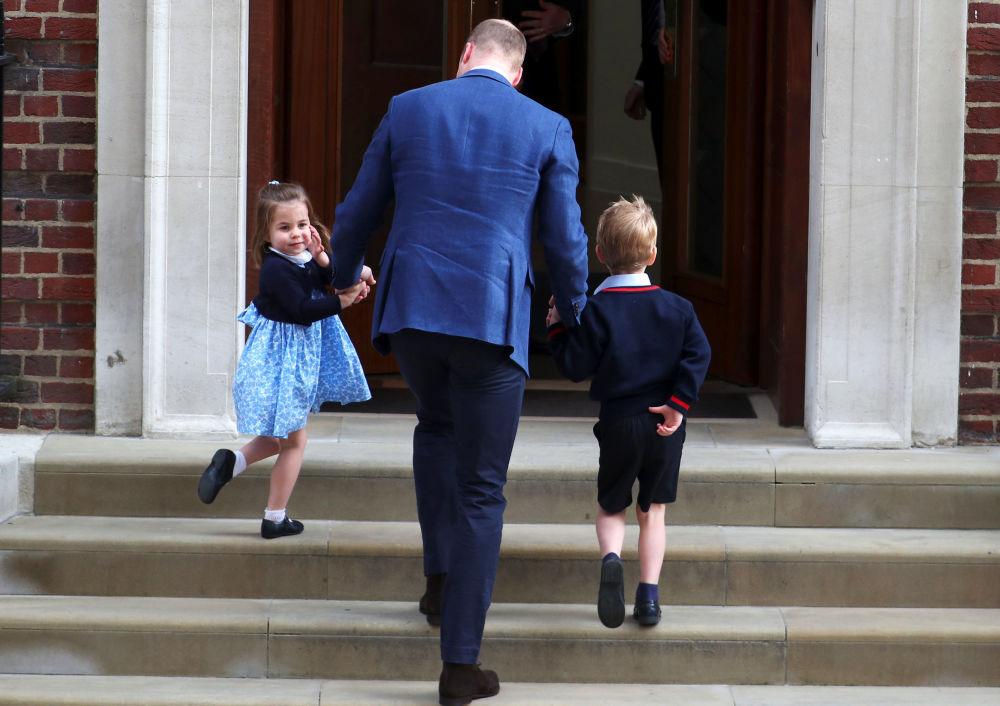 To je syn! Princi Williamovi a Kate Middletonové se narodilo třetí dítě