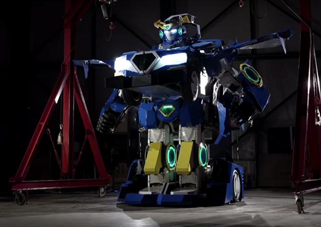 Japonský transformer se na skutečný automobil mění za minutu