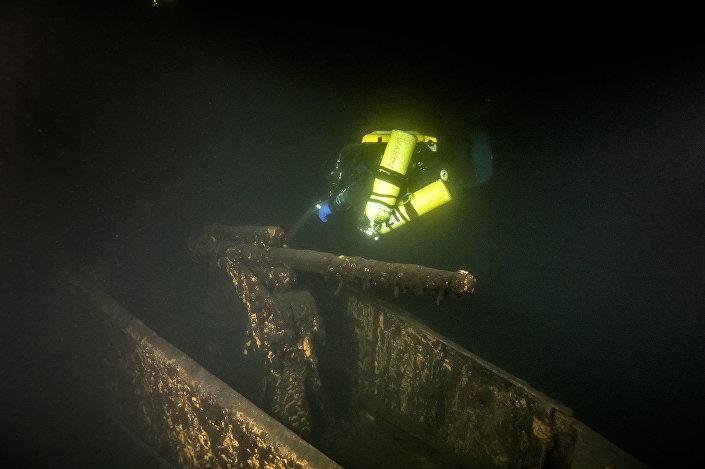 """Sovětská ponorka Šč- 317, kterou objevili na dně Finského zálivu účastníci pátrací operace """"Poklona lodím velkého vítězství"""""""