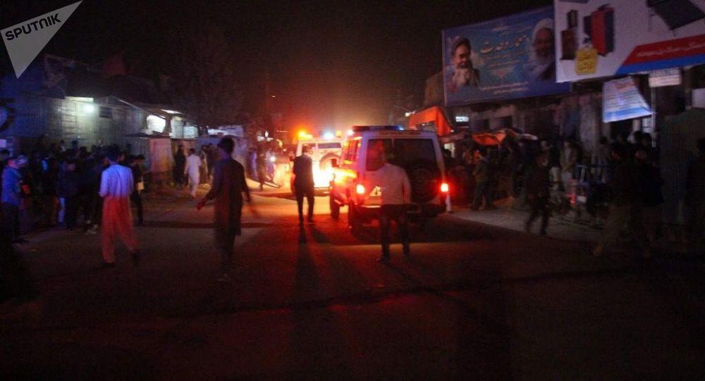 Výbuch v afghánské mešitě zabil nejméně deset lidí