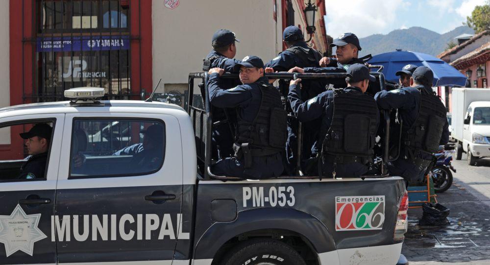 Policejní hlídka v Mexiku
