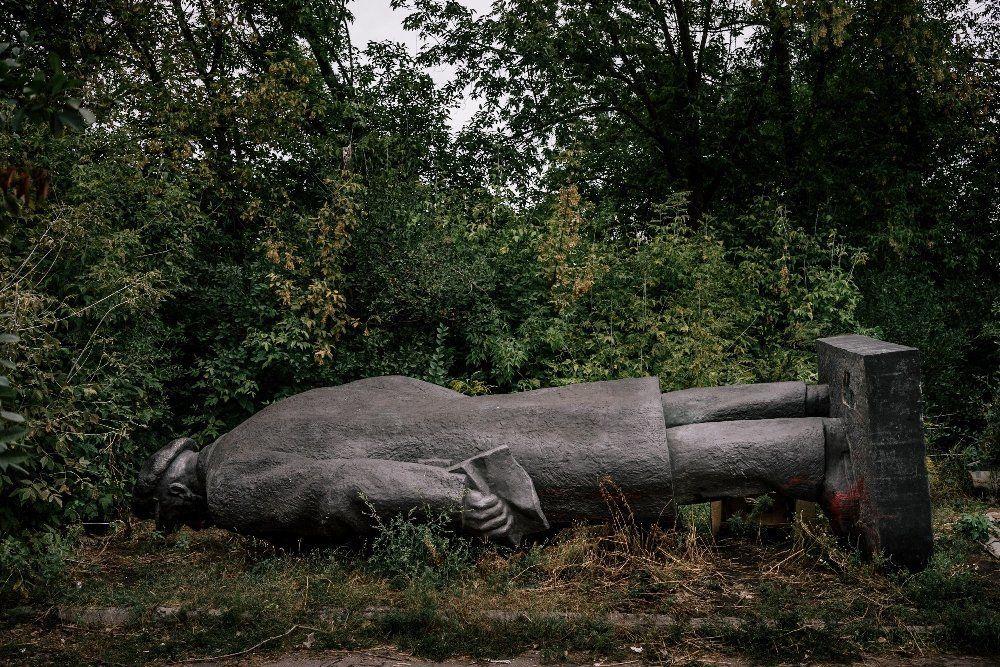 Hledání ztraceného Lenina: Jak na Ukrajině předělávají sochy vůdce
