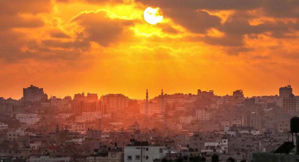 Západ slunce nad pásmem Gazy