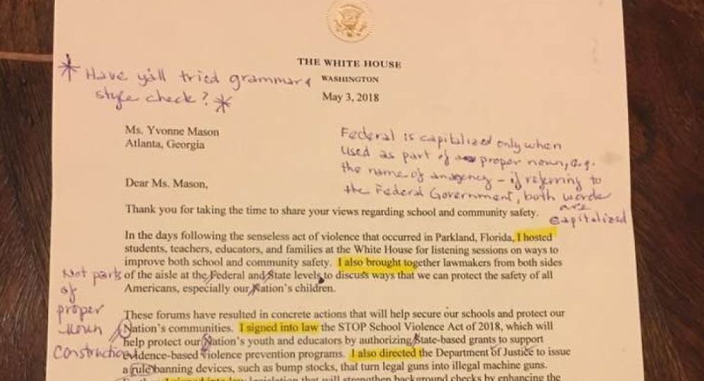 Dopis z Bílého domu s podpisem Donalda Trumpa pro učitelku Yvonne Masonovou