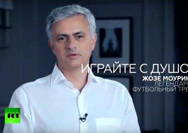 José Mourinho začal mluvit rusky ve videu RT věnovaném MS 2018