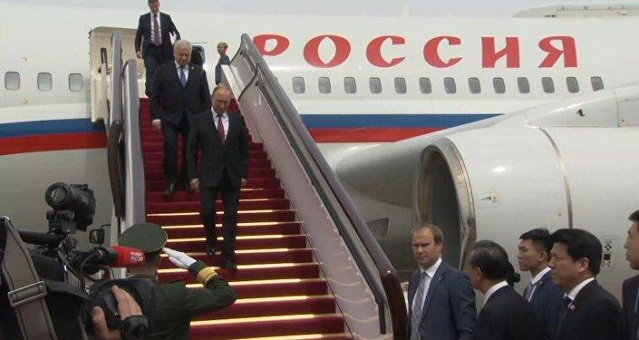 Čínský vojenský orchestr přivítal Putina Kaťušou