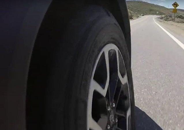 Automobilový expert informoval o přednosti ojetých pneumatik ve srovnání s novými (VIDEO)