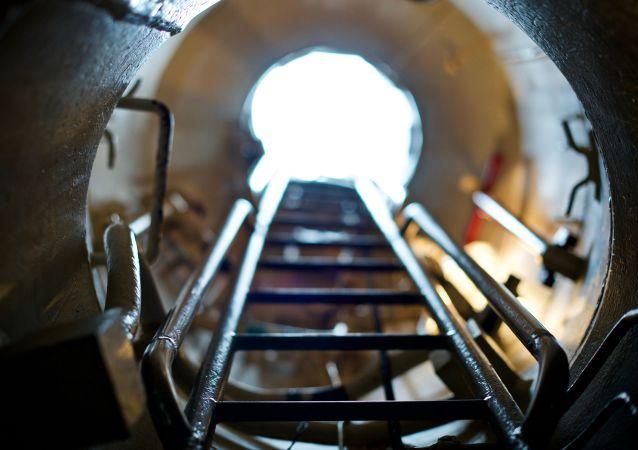 Poklop ponorky. Ilustrační foto