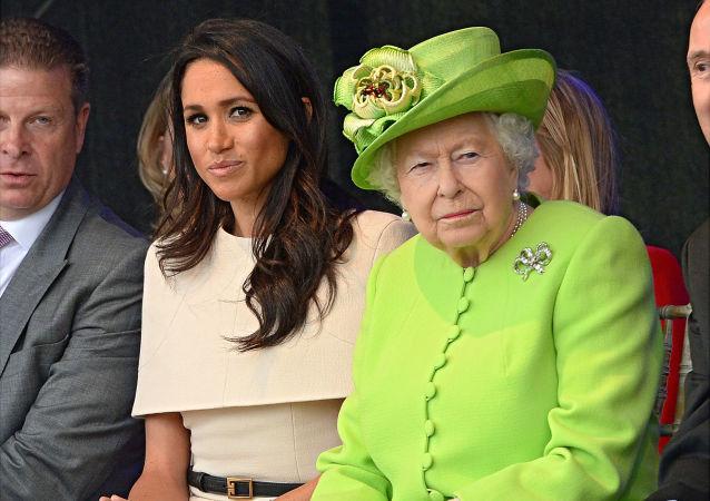 Meghan Markle a britská královna Alžběta II.