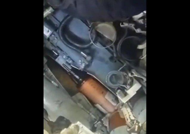 Ukrajinští tankisté natočili na video celý vrak tanku Bašta (VIDEO)