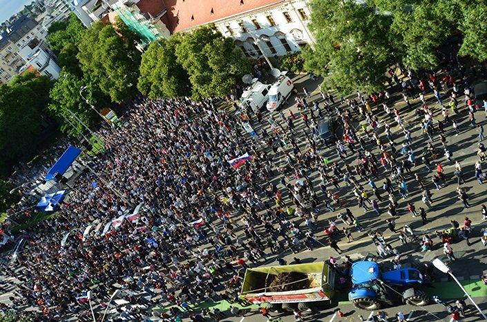 Protesty za slušné Slovensko slabnú: v Bratislave sa zišlo 5 tisíc ľudí