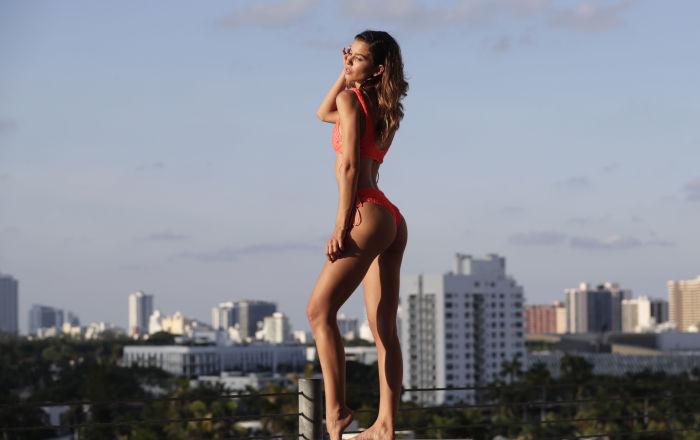 Čím míň, tím líp. Týden módy na pláži v Miami