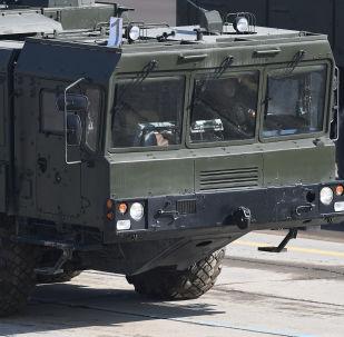 operativně-taktický raketový komplex Iskander