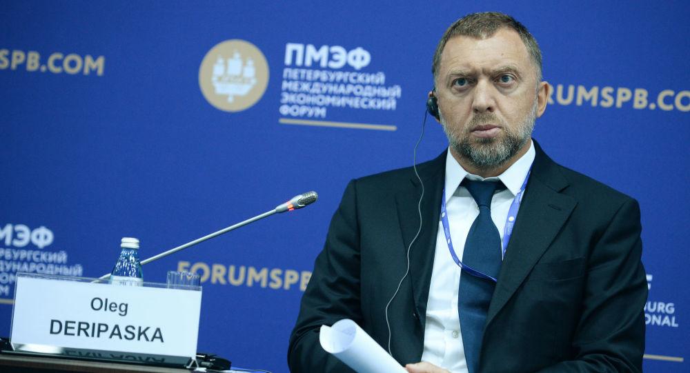 Prezident společnosti Rusal Oleg Deripaska na 20. petrohradském mezinárodním ekonomickém fóru