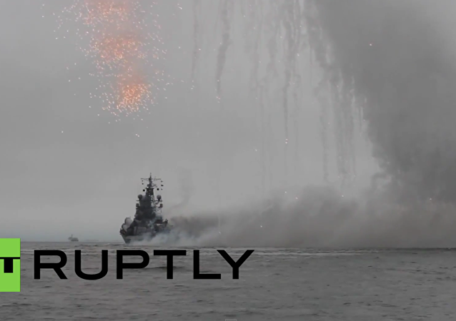 Efektní přehlídka v Den Vojenského námořnictva v Petropavlovsku-Kamčatském