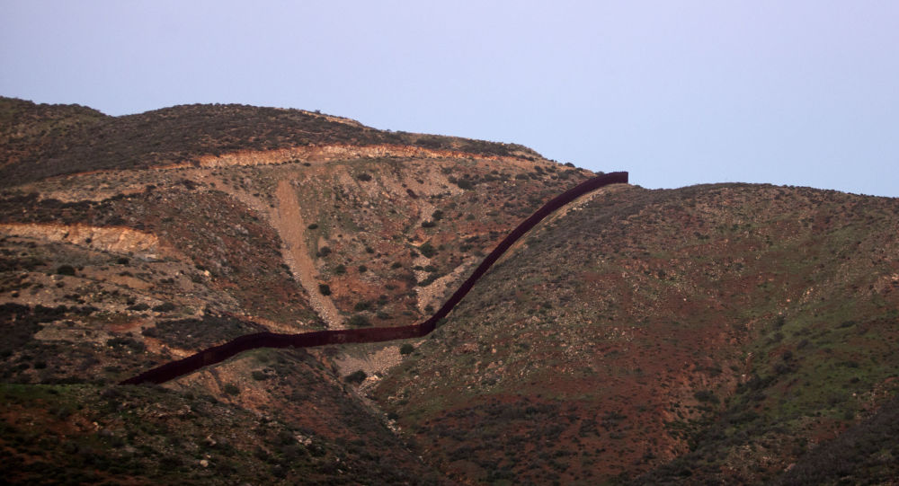 Hranice mezi USA a Mexikem